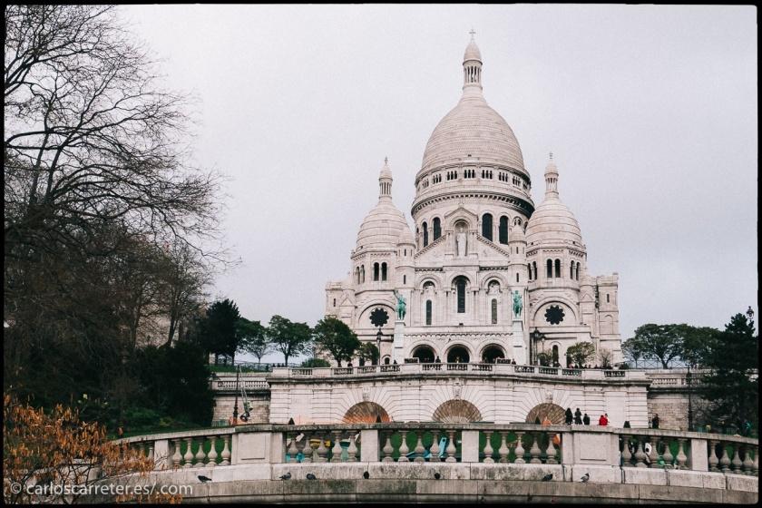 """Visitaremos París para ilustrar este opúsculo de Zola... aunque el autor se refiere a toda la Francia cuando habla de """"cómo nos casamos""""."""