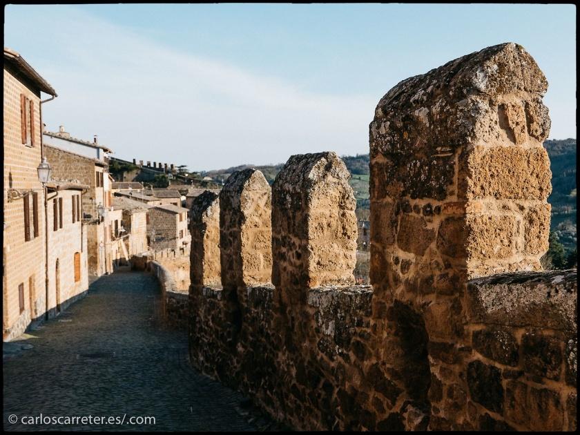 También hemos tenido las murallas de la ciudad italiana de Orvieto...