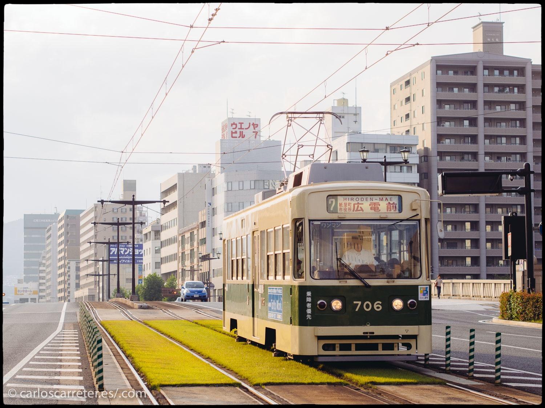 Tranvía sobre el río Ota - Hiroshima