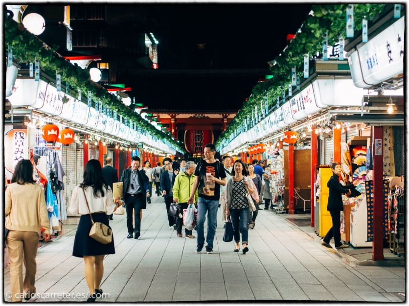 Calle Nakamise en el templo de Sensoji.